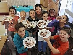 kids make chocolate