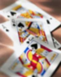 על קסמים ועל קלפים