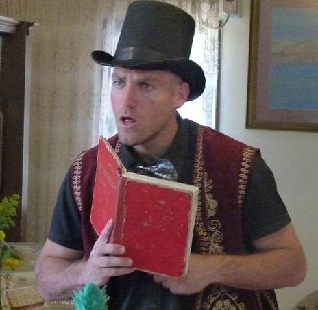 מתוך המופע של פליקס הקוסם - ספר אש