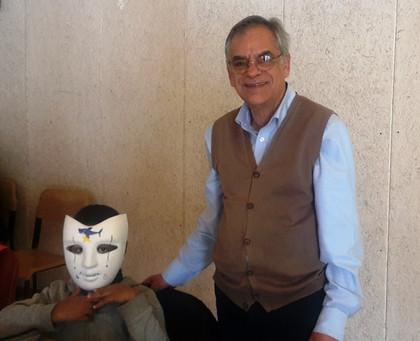 Gianni Dessì al laboratorio di maschere