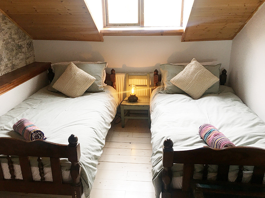 Room with two Single Beds upstairs (Room 3)