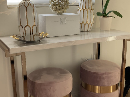 Home Design For The Creatively Challenged: Finally Decorated My Entryway Table!