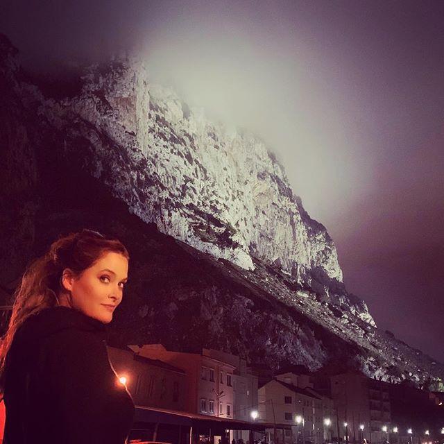 gibraltar, rock, night, whitney, travel blog, blogger, whitney's wanders, antm, traveler, American, international, plus model, world, marriage, vacation, adventure, spain, love, top model, curve, vegan, plant-based, cruelty-free