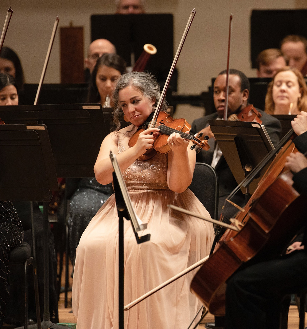 Beth Guterman Chu performing during the SLSO's 2019/2020 season opening weekend concert