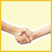 握手している手