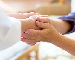 握手をする手