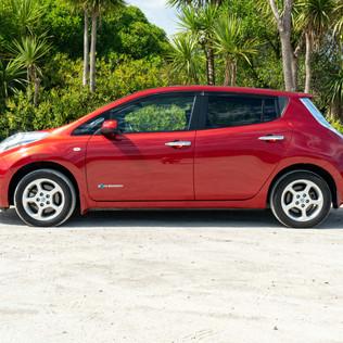 Nissan Leaf 2014-6.jpg