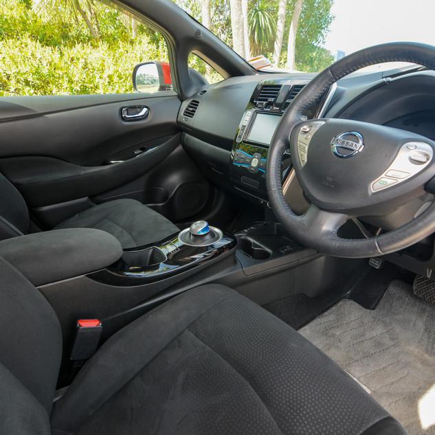 Nissan Leaf 2014-7.jpg
