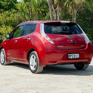 Nissan Leaf 2014-2.jpg