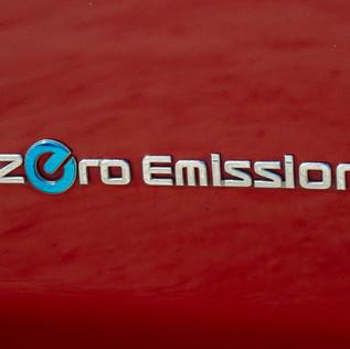 Nissan Leaf 2014-12.jpg
