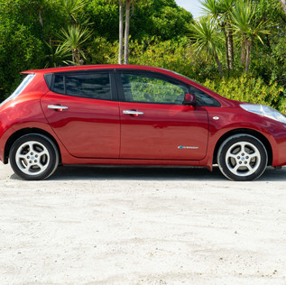 Nissan Leaf 2014-4.jpg