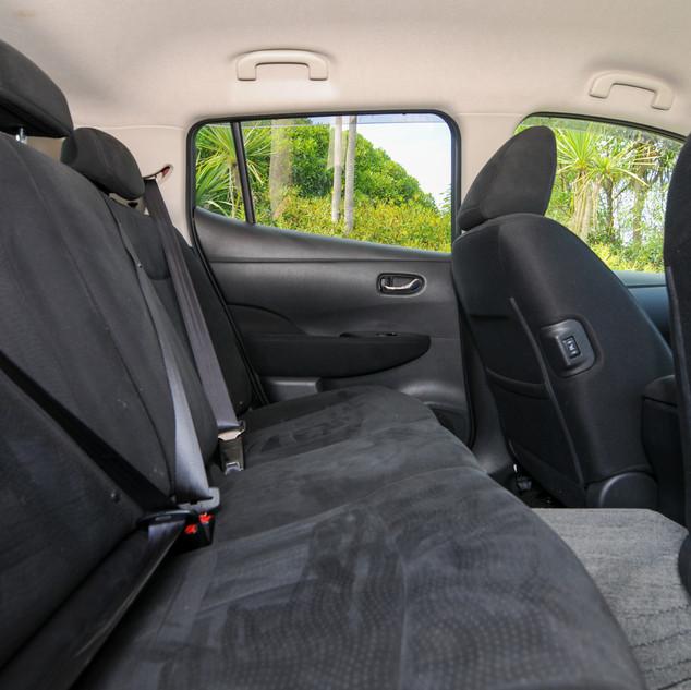 Nissan Leaf 2014-9.jpg