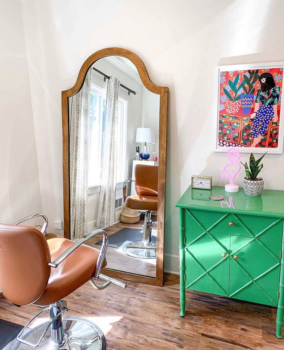 Interior chic design in all the Stylists rooms fo beautiful hair cuts and coloring