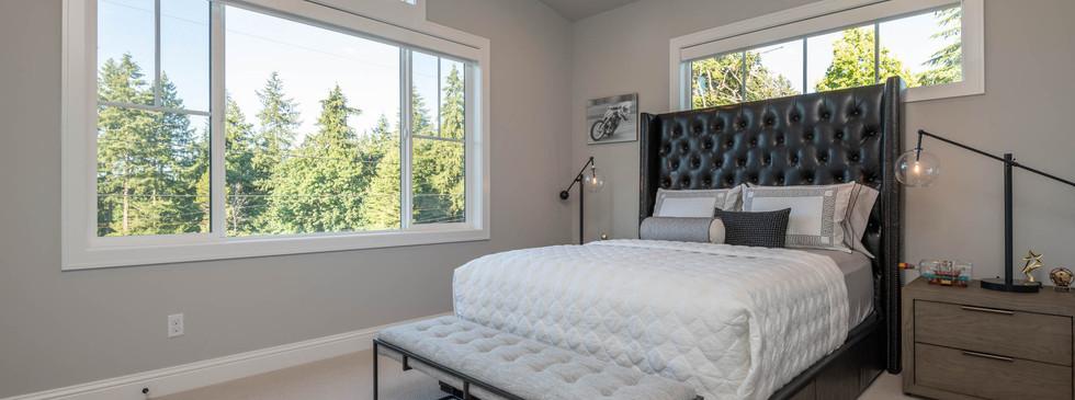 29 - Guest Bedroom.jpg