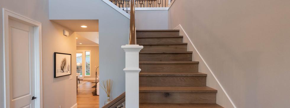 21 - Stairwell.jpg