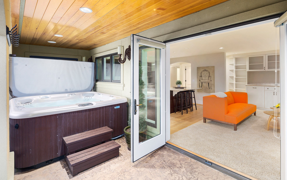 32 - Guest Suite and Hot Tub.jpg