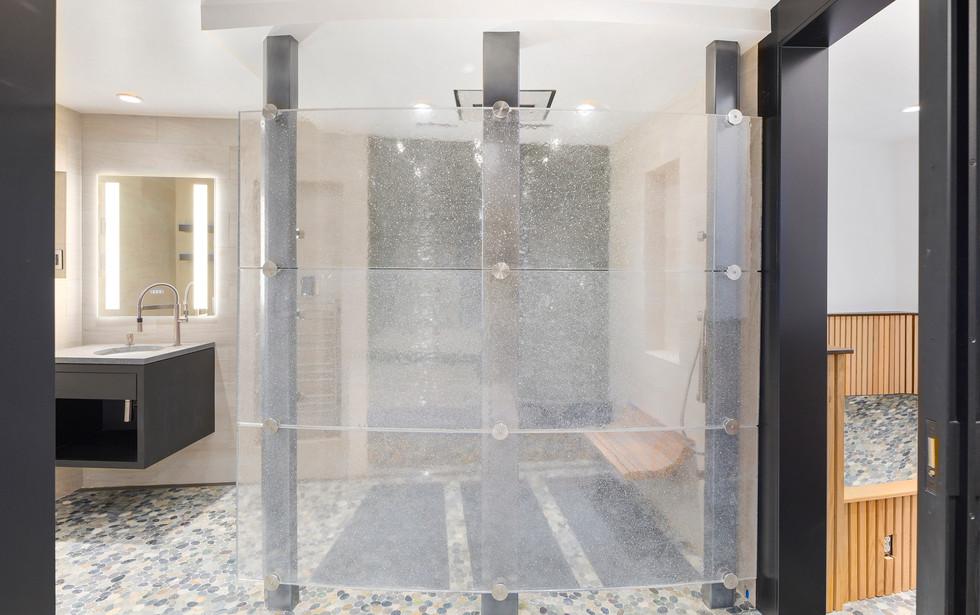 16 - Fitness Room Shower.jpg