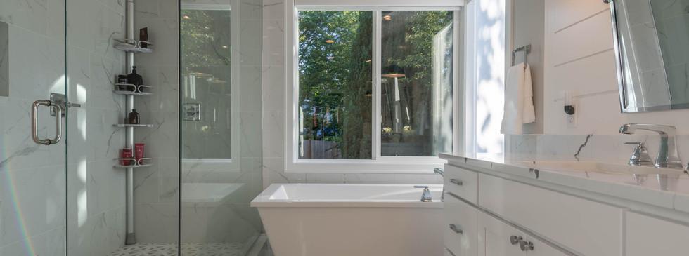 26 - Master Bath.jpg