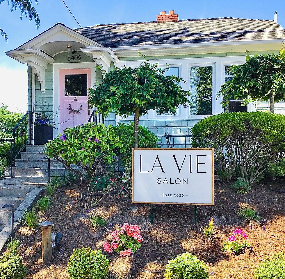 Front view of La Vie Salon West Seattle