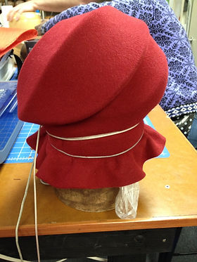 How to choose a hat for a woman red hat handmade