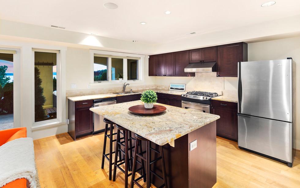 29 - Guest Suite Kitchen.jpg