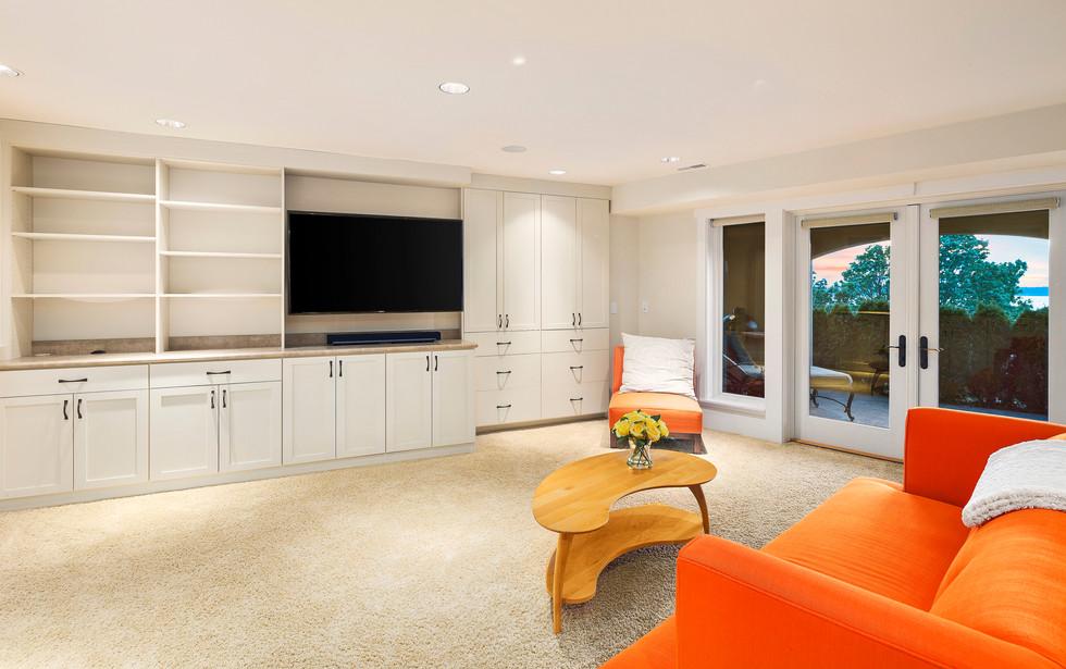 31 - Guest Suite Living Room.jpg