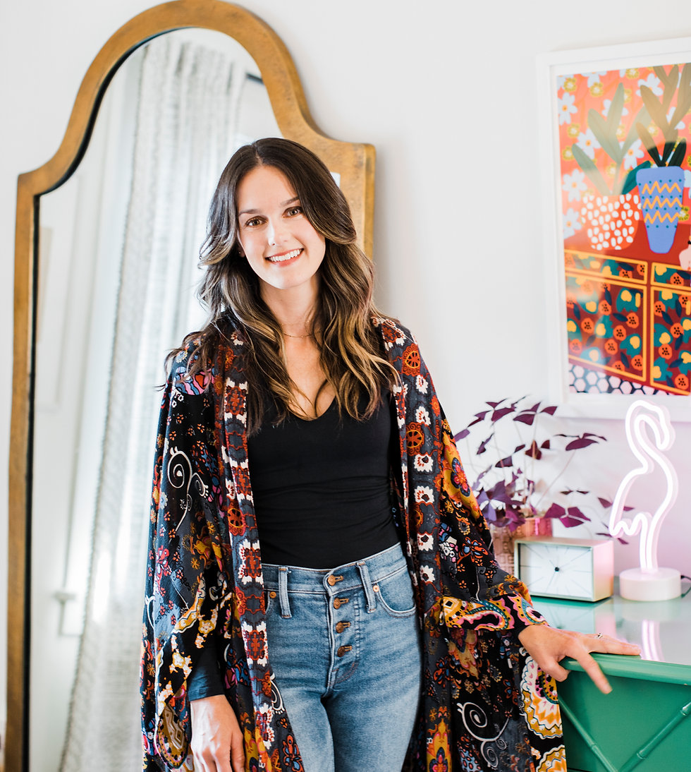 Elyse Birdsall Stylist an Colorist at La Vie Salon West Seattle