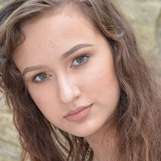 Lara Liverani.jpg