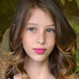 Nicole Thomaz.jpg