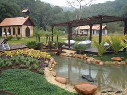 Jardim com Lago 1