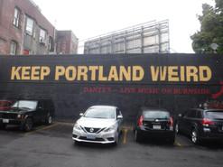 Microbrasseries + Foodtrucks= Portland