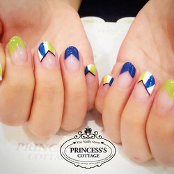 Going on promotion, $25 only for this design! Done by Joanna at The Seletar Mall. _Book your appoint
