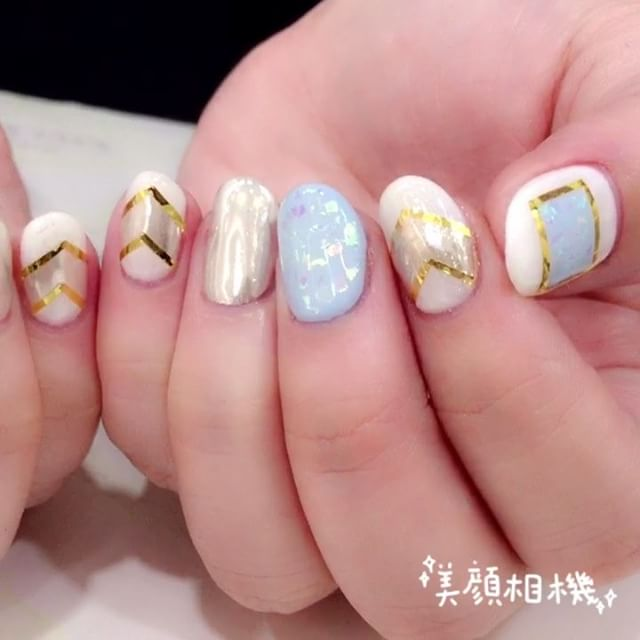 Shiny chrome effect nails 【Done by Joanna】》》》More info, check out our IG profile _For updates《FOLLOW