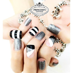 Monochrome nails【Done by Jane at The Seletar Mall】 》》》On-going promotions _ Price menu _ Online Appo