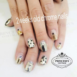 Here's how Chrome effect nails look after 2 weeks. Almost perfect condition