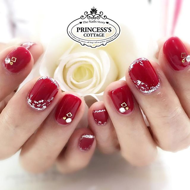 Happy weekend! Special price nailart sets_ Add on $25 only for this set of elegant nails at Tampines