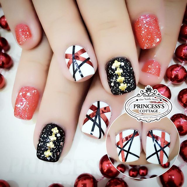 💃🏻Special price nailart sets_ Add on $25 only for this set of pretty nailart at Tampines outlet