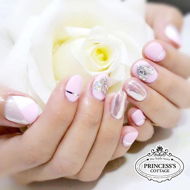 Enchanted Love 💕 【Done by Nails Artist Janice at The Seletar Mall】》》》More info, check out our IG pr
