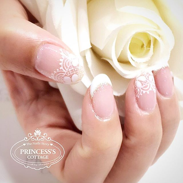 Happy days are here again! 😃 #goodmorning 【Bridal Nails done by Ketian】_》》》More info, check out our
