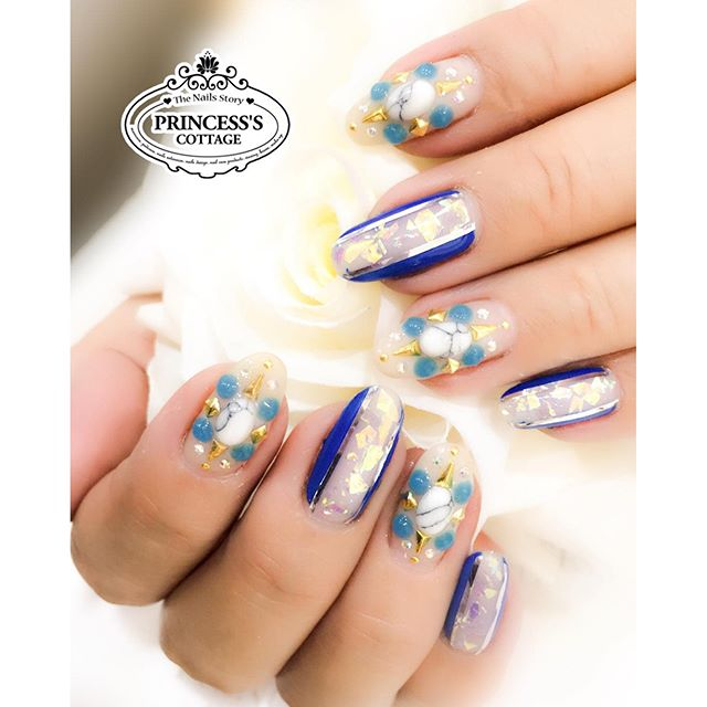 _Your nails are like jewels, don't use them like tools_ 😄 That is why, manicure is a must! ✌🏻️ 💅�