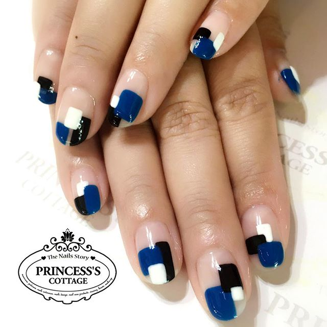 Elegant! Nailarts done by Jiali at Tampines Mart. Check out our 10th Anniversary promotion from our