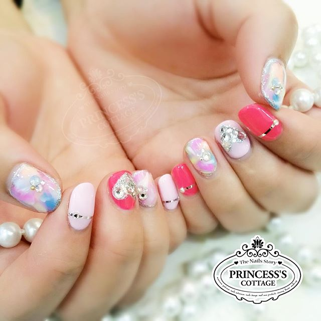 Pink color makes everything look pretty! 💖 【Done by Nail Artist Gennie】 》》》On-going promotions _ Pr