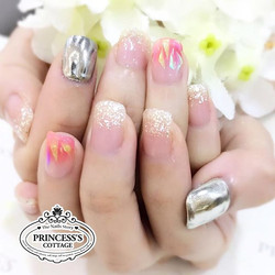 Today the sun ☀️ will shine on you! 【Done by Senior Nail Artist Jane at The Seletar Mall】》》》More inf