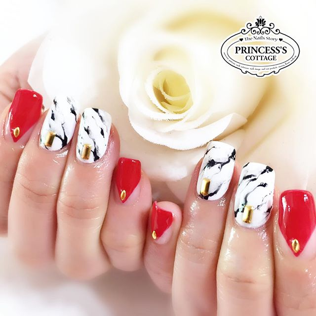 Our 10th Anniversary promotion is still going on! 【Nailarts done by Nail Artist Chevonne】 》》》More in
