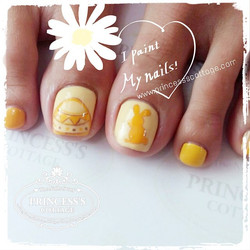 I paint my nails yellow for this Easter Day! 💛 done by Tim at Tampines Mart. _Book your appointment