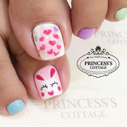 Easter rabbit & pop up crystal easter egg by Gennie at The Seletar Mall. _Book your appointment Onli