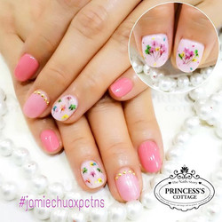 Lovely sweet pink nails with real dried flowers for our ambassador Ms Jamie Chua _ec24m after her va