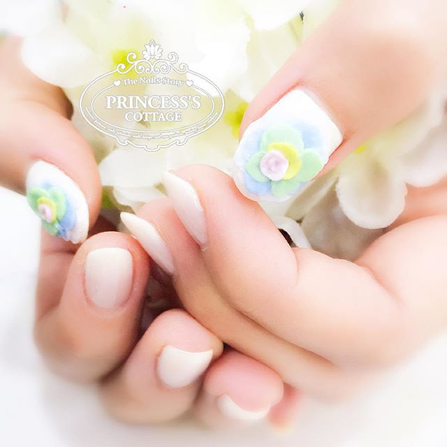 Make today beautiful~ 🌷 【Done by Nail Director Joanna】 》》》On-going promotions _ Price menu _ Online