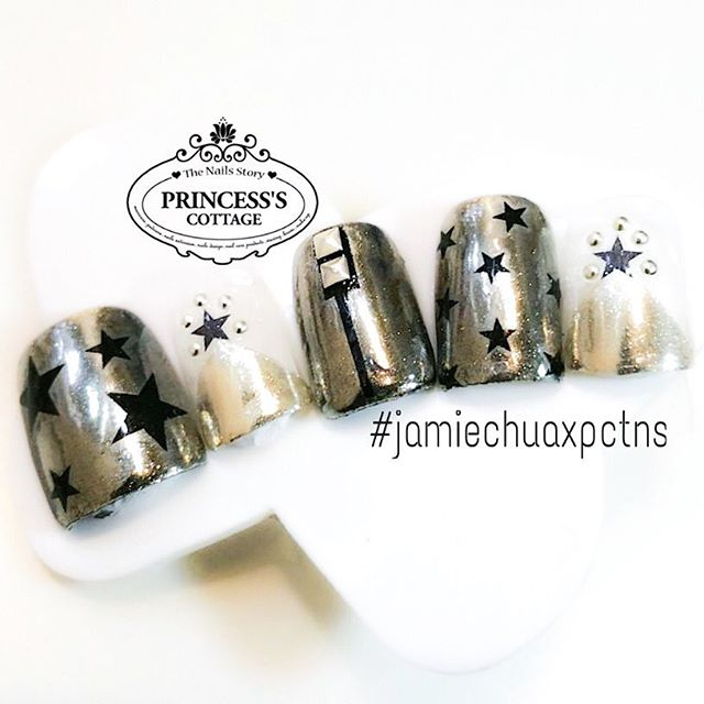 For those who requested to see the clearer design of the chrome nails that was designed for Ms Jamie
