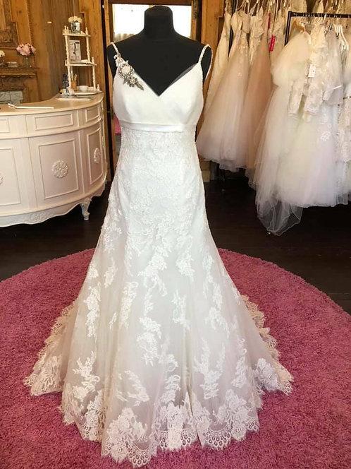 Benjamin Roberts 2251 Wedding dress